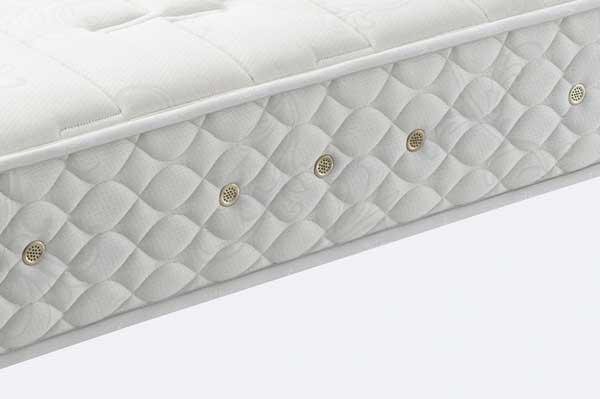 日本ベッドマットレスの4つのポイント 端正な仕立て